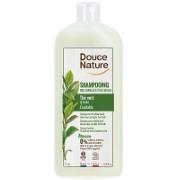 Douce Nature Family Shampoo with Green Tea
